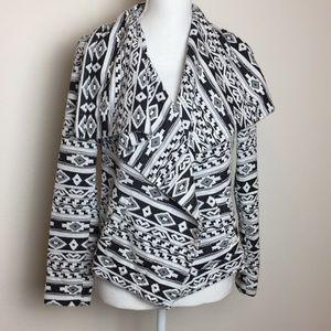 American Rags Open Drape Geometric Print Wrap, S